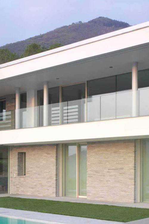Vue de la façade principale de la Villa Brescia