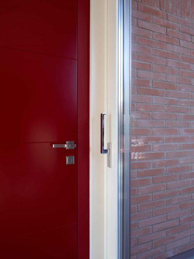 Détail des poignées de porte intérieures