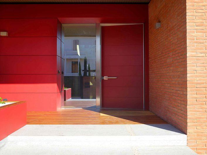 Vue de la porte d'entrée de la Villa Modena
