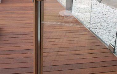 Skyline Pivot, détail de la porte avec poignée