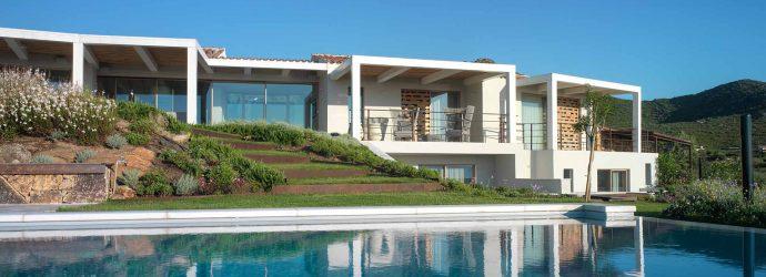 Villa Costa Smeralda, vue d'élévation avec piscine