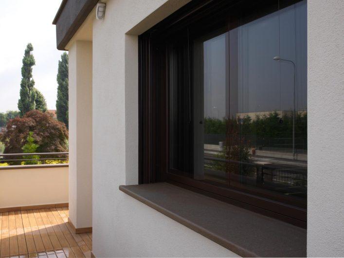 Vue extérieure d'une fenêtre Vitrum 90