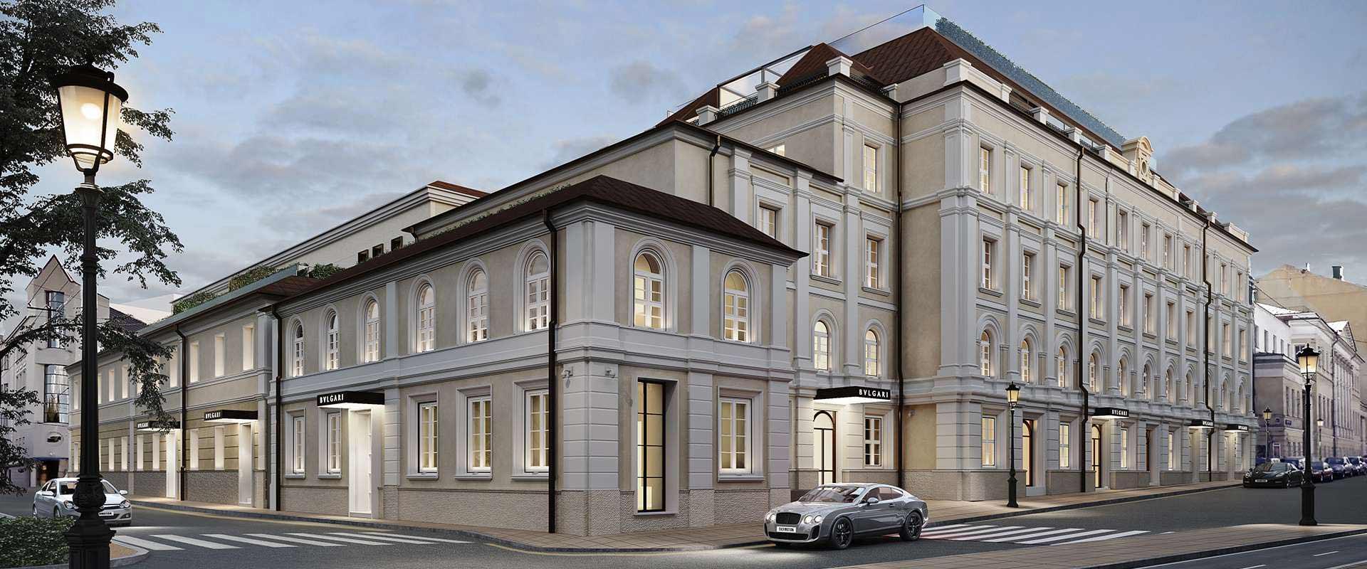 Vue de l'élévation de l'hôtel Bvlgari à Moscou avec fenêtres en bois laqué blanc