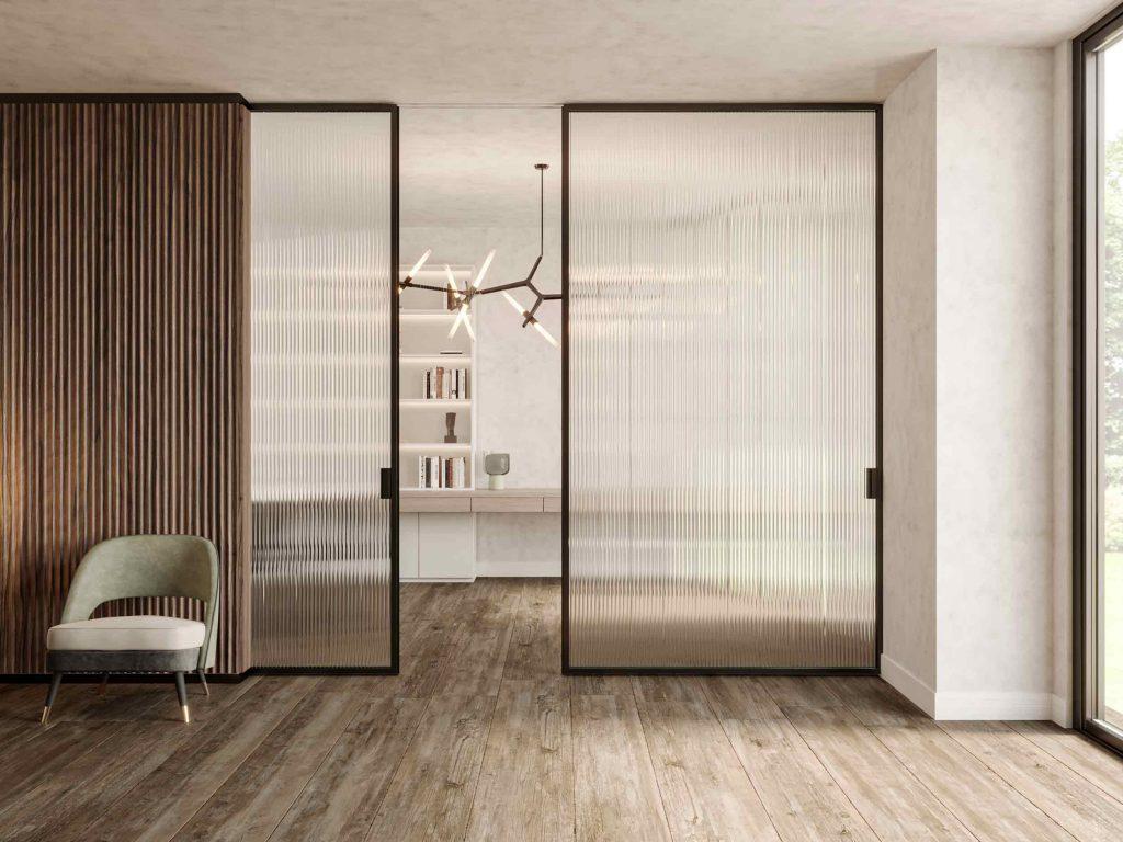 Porte coulissante Lady avec cadre en bois et verre transparent nervuré