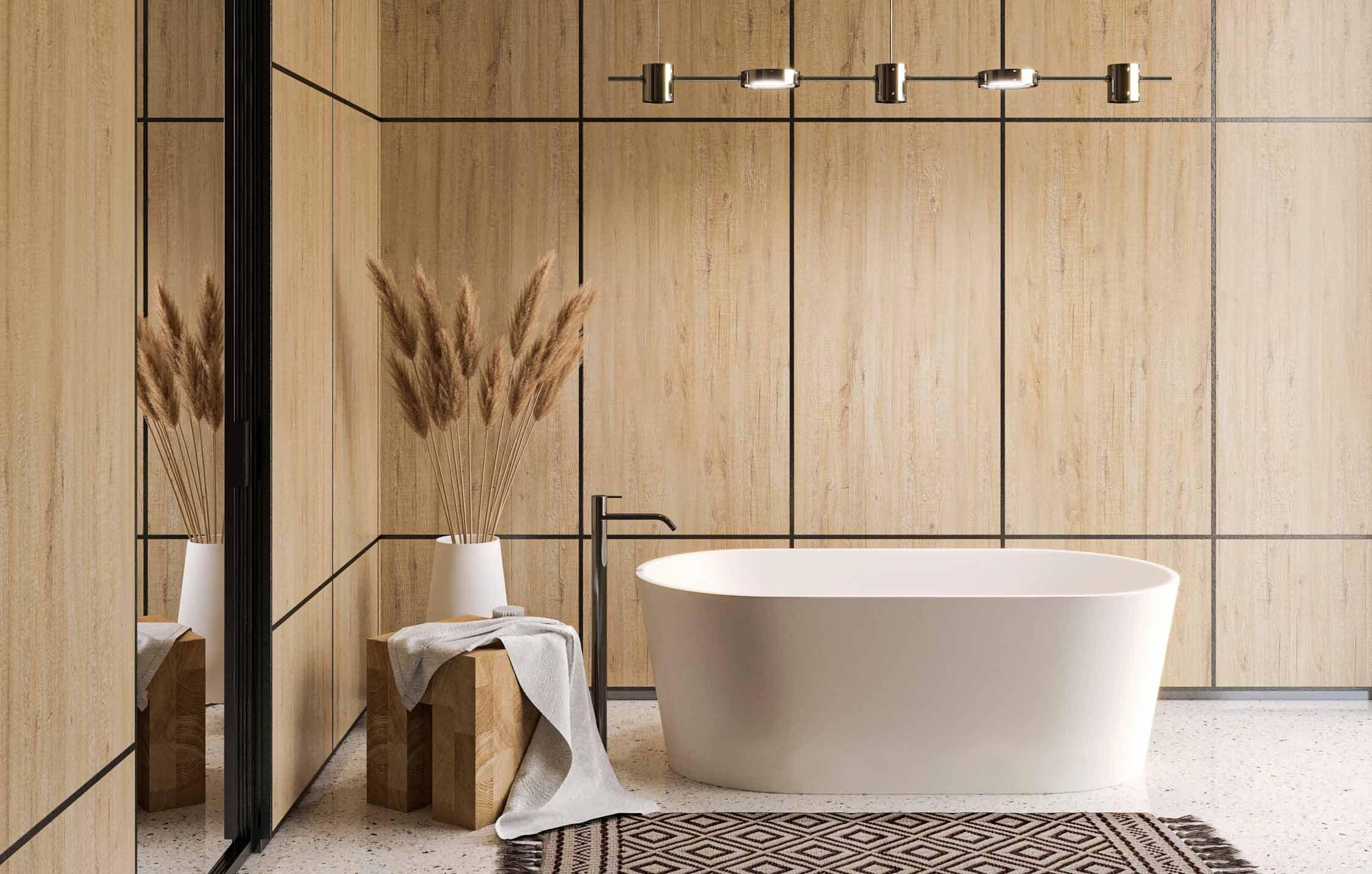 Salle de bain avec boiserie lambrissée