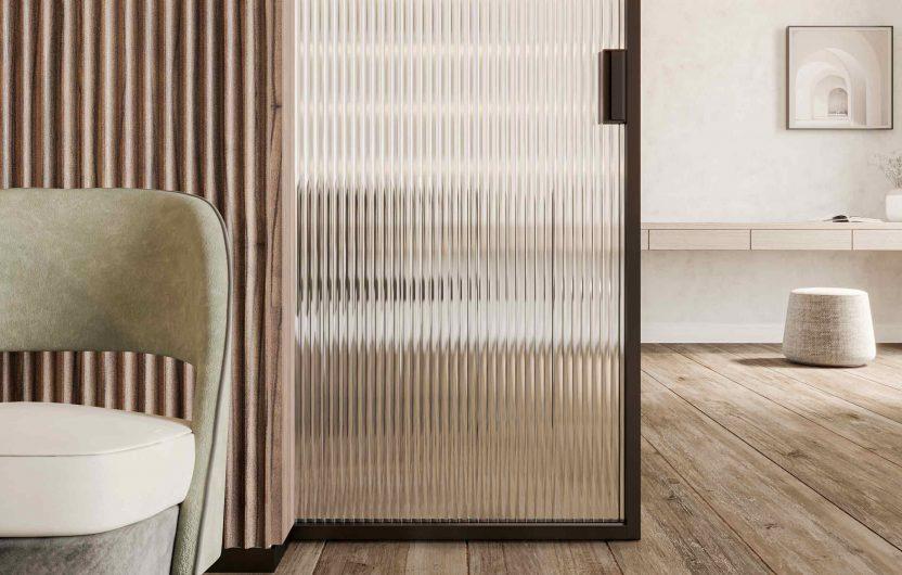 Porte coulissante en bois Carminati avec verre clair nervuré