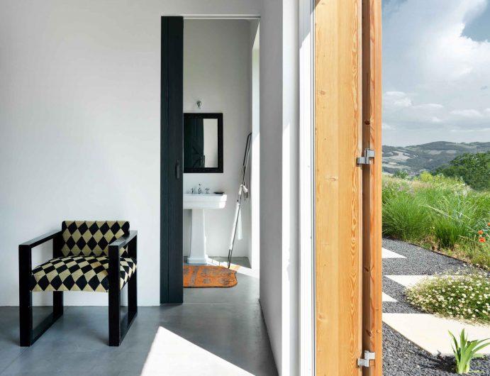 Détail de l'ouverture d'une chambre avec porte coulissante Skyline